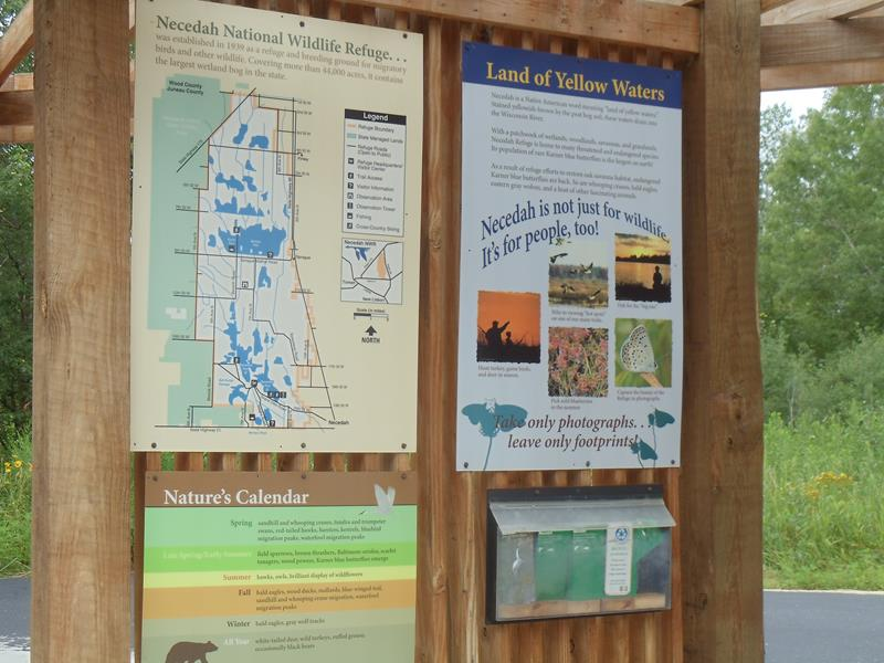 Necedah NWR guide signs