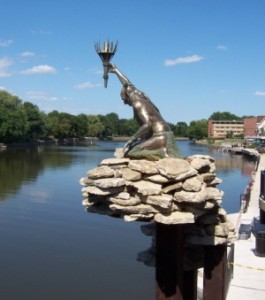 fort_riverstatue