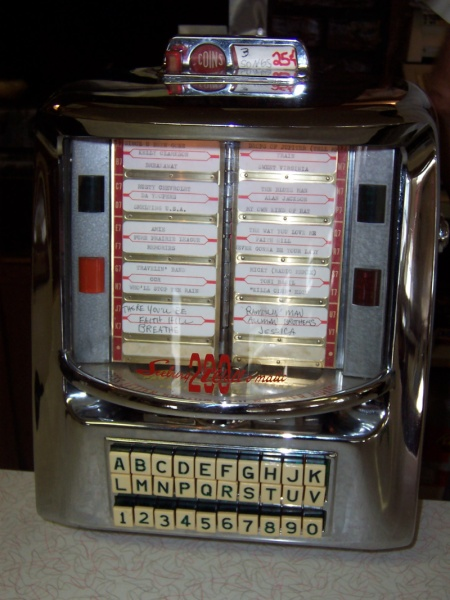 Mickey-Lu tabletop jukebox