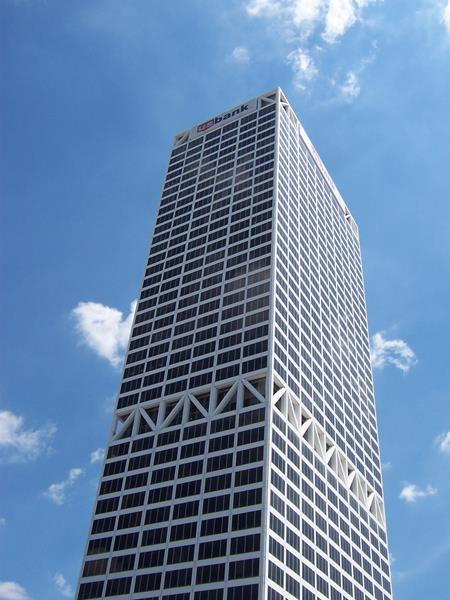 US Bank Tower, Milwaukee