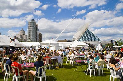 Milwaukee Lakefront Festival of Art outdoors