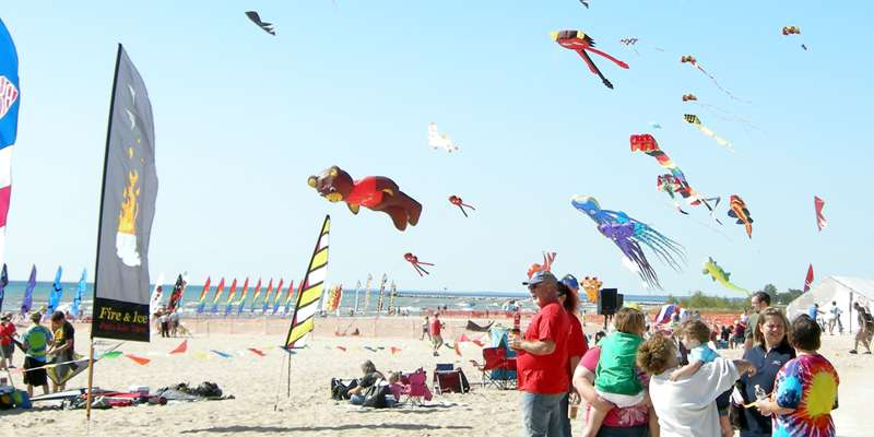 Wisconsin Weekend: Kites Over Lake Michigan