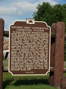 Highway 124 Historical Marker noting the nation's first co-operative generating station.