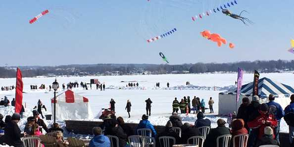 Sky Circus on Ice, Delavan