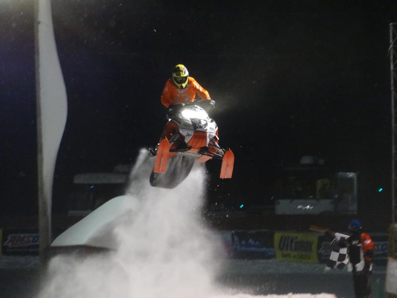 Snowmobile Derby 02