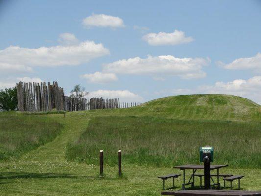 Aztalan State Park Mounds