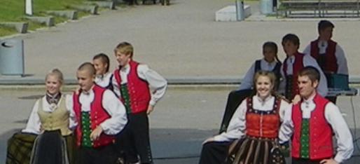 Syttende Mai dancers