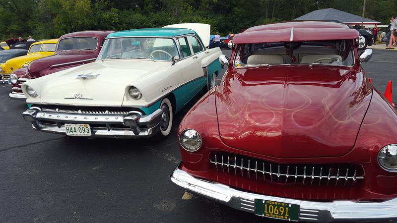 Wisconsin Drive-Ins: classic car show at Wayne's in Cedarburg