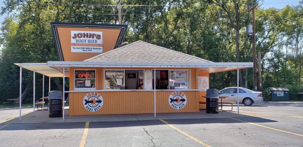 Wisconsin Drive-Ins: John's Drive-In in Waukesha