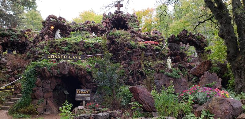 Wonder Cave at Rudolph Grotto Gardens