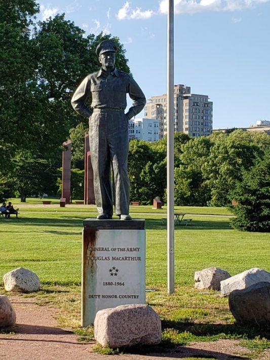 General Douglas MacArthur Statue, Milwaukee