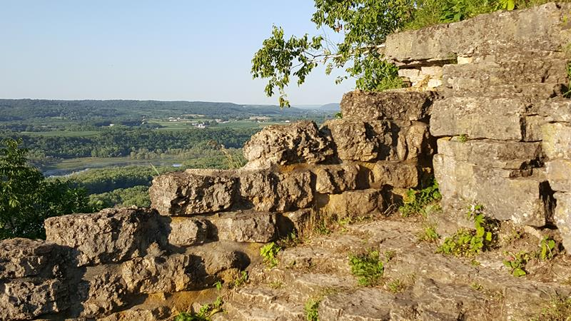Lookout towards the northeast at Wyalusing State Park