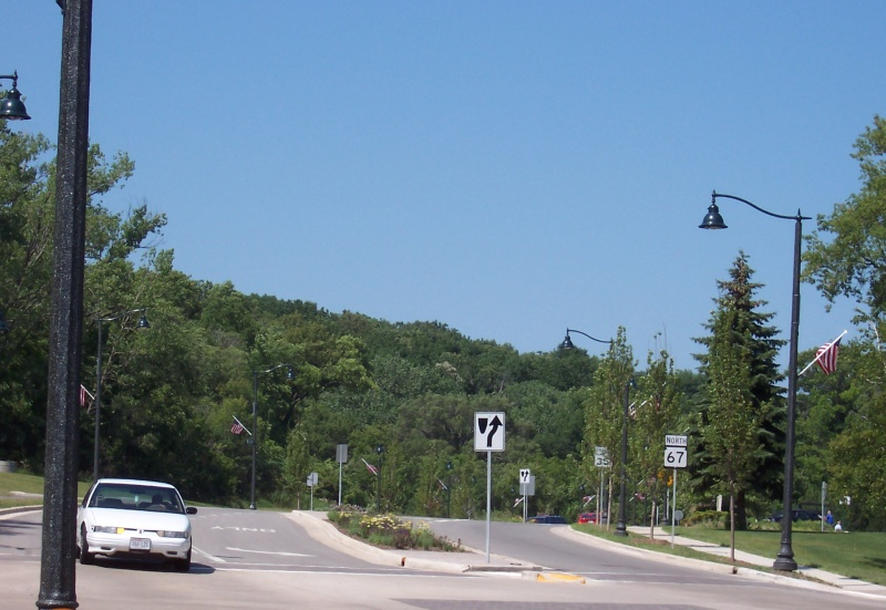 Highway 67, looking northbound through Fontana-on-the-Lake