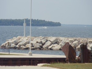 The boating in Green Bay at Olde Stone Quarry Park offers beautiful sights.
