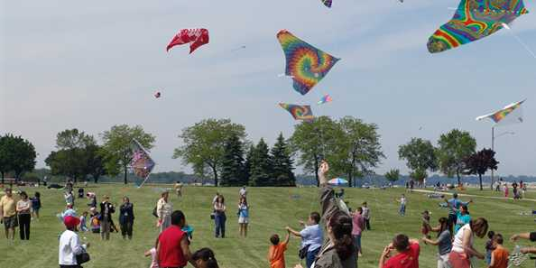 Outta Sight Kite Flight Festival, Kenosha