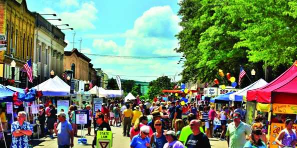 Wisconsin Weekend: Downtown Baraboo Fair on the Square