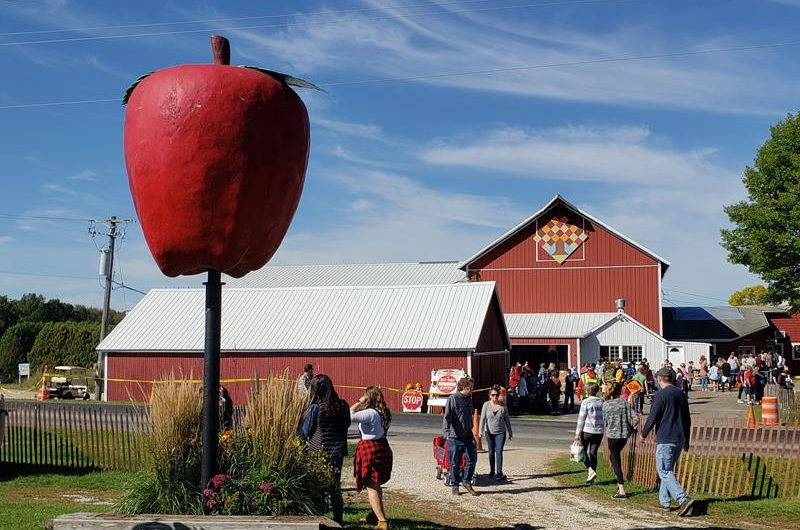 Apple Barn Orchard & Winery – and Country Bakery