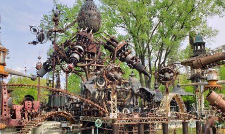 Forevertron, the World's Largest Scrap Metal Sculpture, at Dr. Evermor's Art & Sculpture Park, along U.S. 12 between Sauk City and Baraboo, Wisconsin