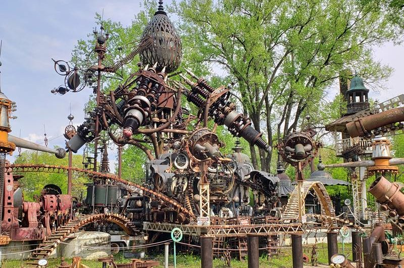 Dr. Evermor's Art Sculpture Park