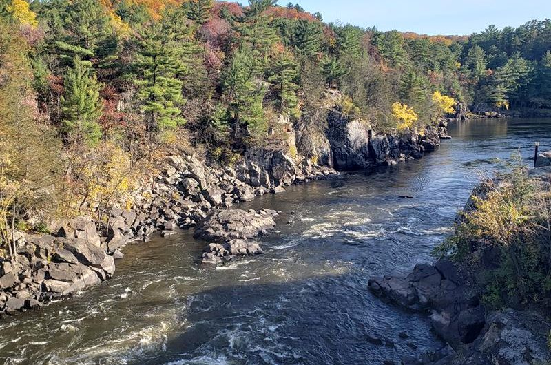 Wisconsin Weekend: Fall colors and tours roll; Halloween, art, and music fests rock; and farms and train rides await. Pick Some Roads and GO!